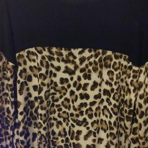 Tops - Long sleeve cheetah print shirt